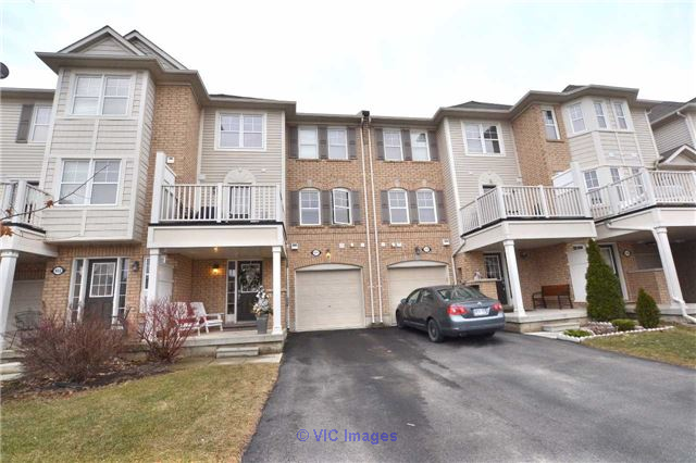 2 Bedroom Freehold Village Town Home for Sale in Coates, Milton Toronto - GTA, Ontario Annonces Classées