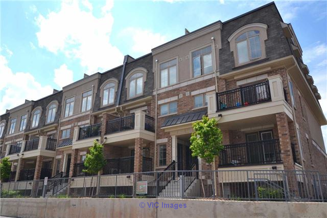 2 Bedroom Condo Town House For Sale in West Oak, Oakville Toronto - GTA, Ontario Classifieds