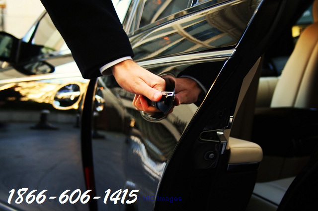 Booking our Niagara falls tours limo cars services toronto