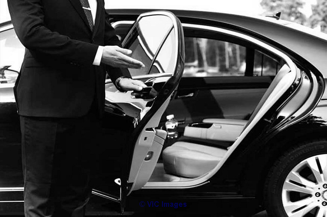 Hamilton airport limo - We Take You To And From The Airport | Book a R