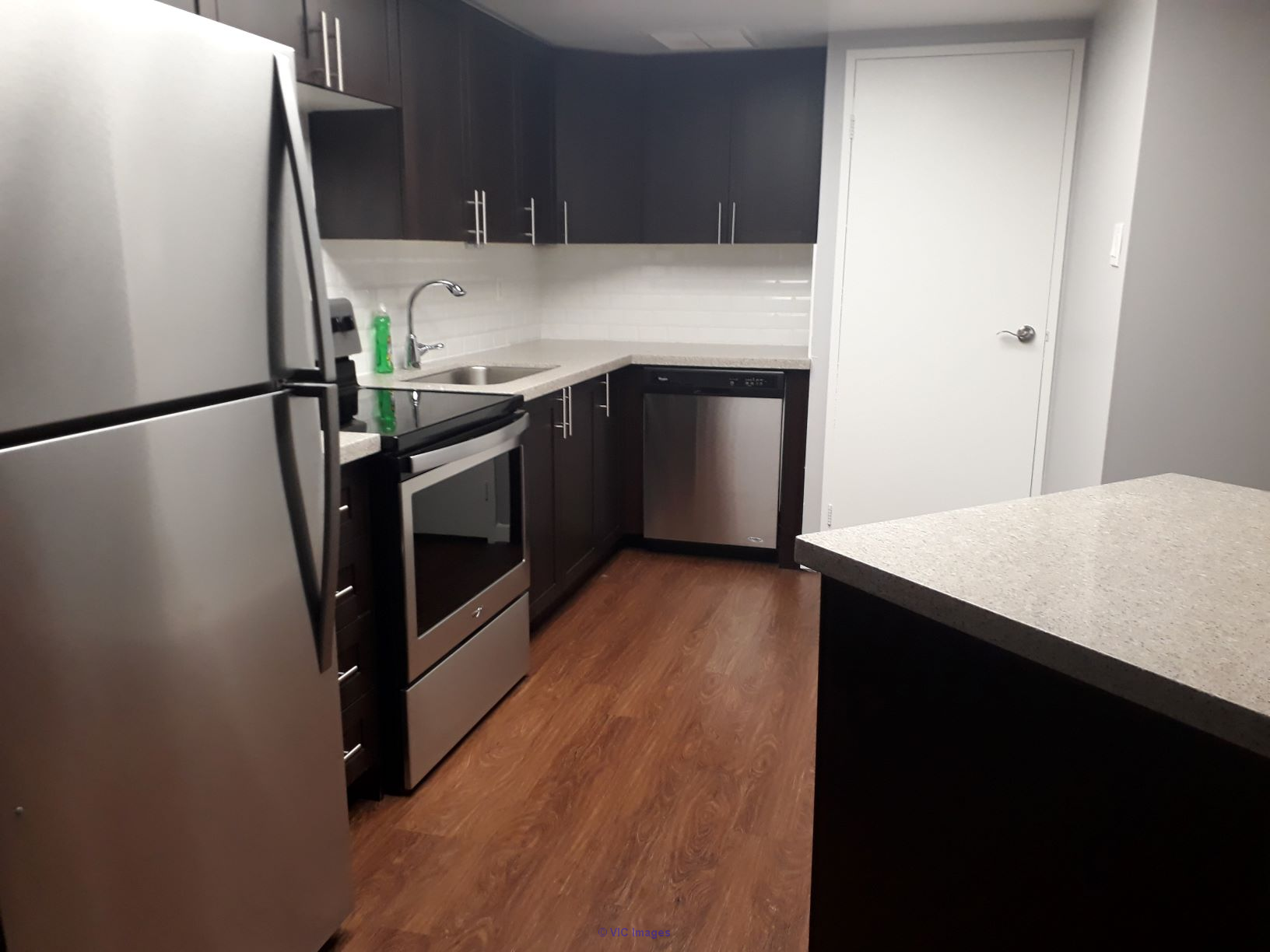 Private bedroom with ensuite private bathroom available for rent toronto
